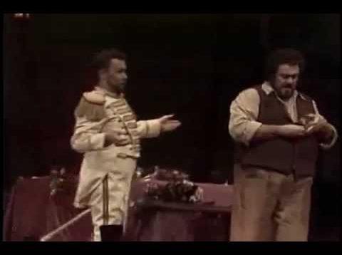 <span>FULL </span>L'elisir d'amore Met 1981 Pavarotti Blegen