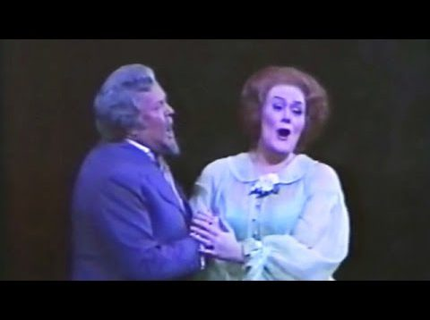 <span>FULL </span>La Traviata Met 1975 Sutherland Alexander McNeil