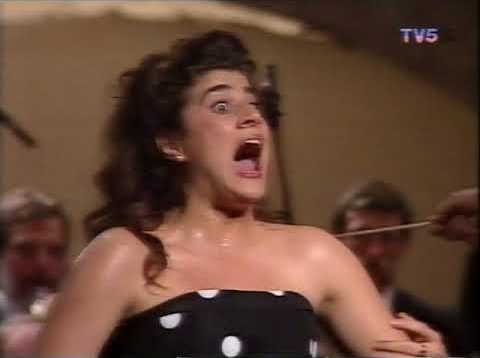 <span>FULL </span>Cecilia Bartoli Rossini Recital Antibes 1992