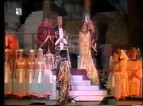 <span>FULL </span>Aida Pula 1993 Charbonnet