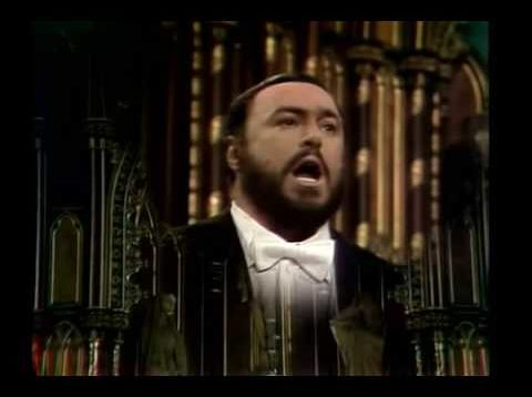 <span>FULL </span>Natale a Notre-Dame Montreal 1978 Luciano Pavarotti