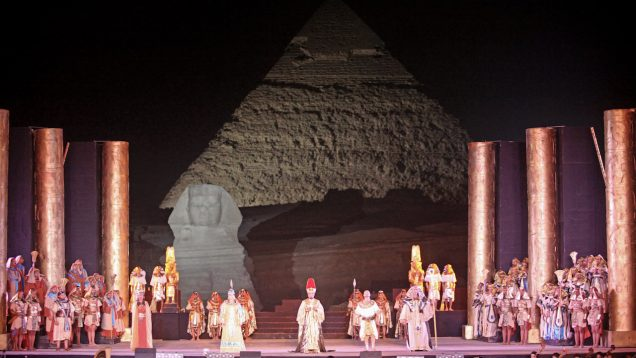 <span>FULL </span>Aida-Pyramids-2