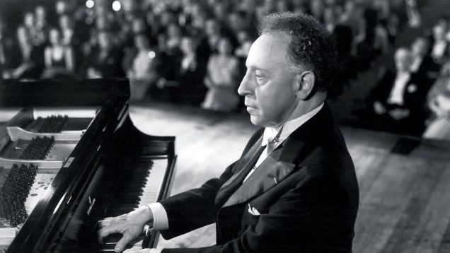 <span>FULL </span>Carnegie Hall Movie USA 1947 Peerce Pinza Pons Stevens