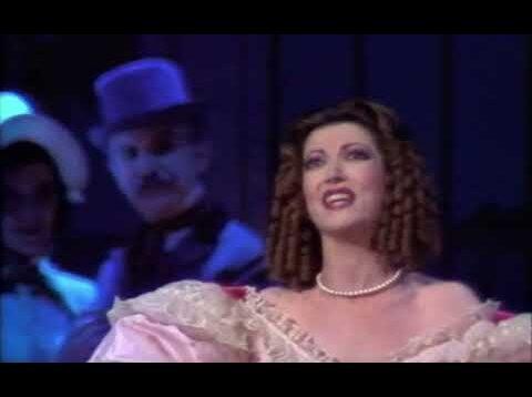 <span>FULL </span>Don Pasquale Madrid 1987 Dara Lloris Pola
